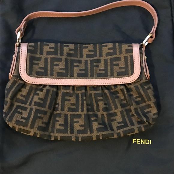 Fendi Handbags - Fendi Borsa Chef handbag   Authentic   bd53c850d8d23
